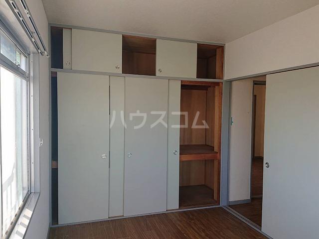 第二ハイツ昌 303号室の居室