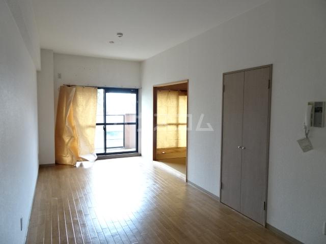 Casa ELEVATO 102号室のリビング