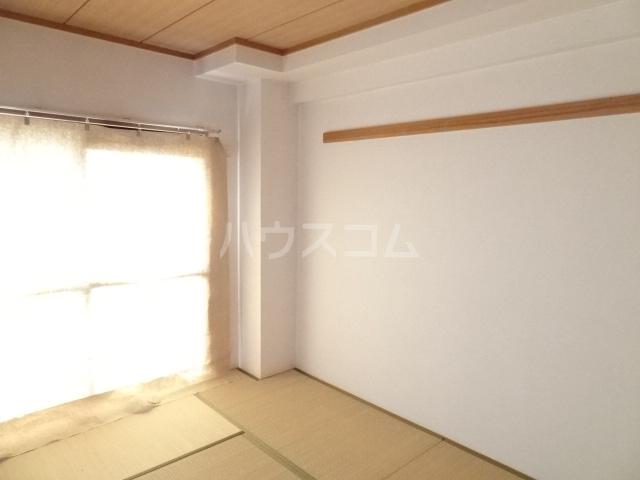 Casa ELEVATO 102号室の居室