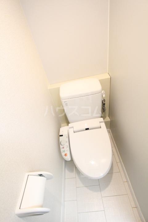 ヤング宮上 204号室のトイレ