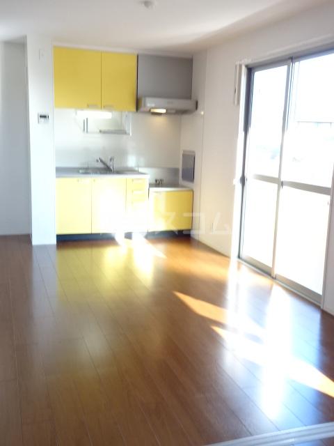 メゾン秋葉山 305号室のキッチン