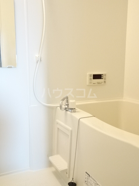 メゾン秋葉山 305号室の風呂