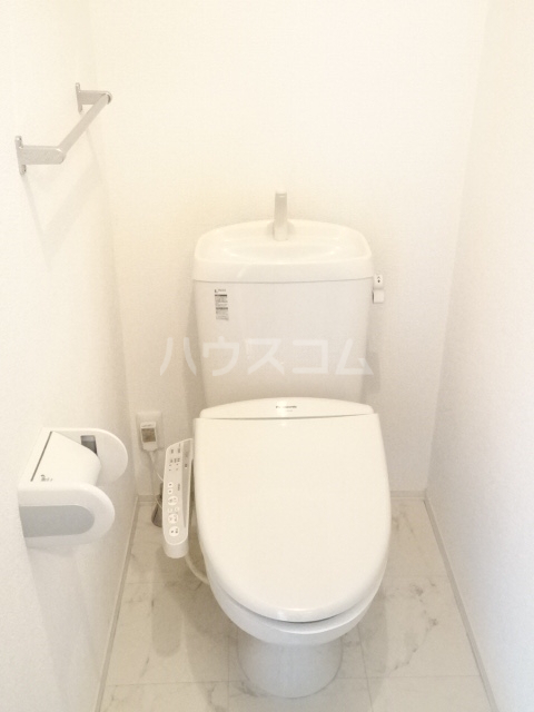 メゾン秋葉山 305号室のトイレ