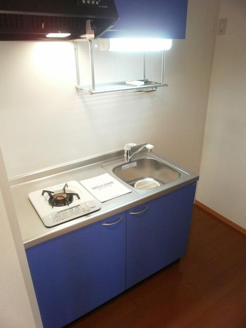 コンフォート宮町 201号室のキッチン