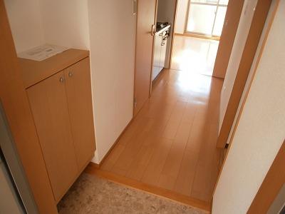 スマイルガーデン 102号室の玄関
