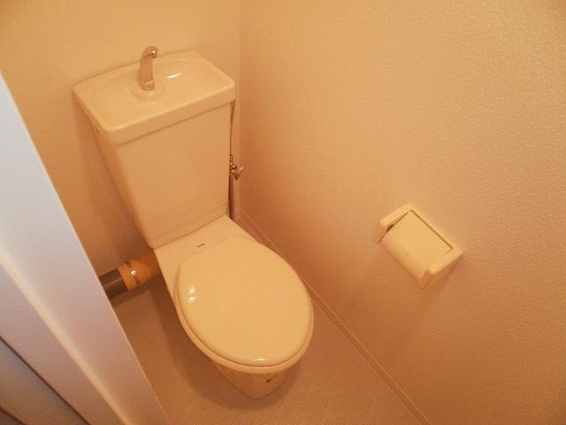 PATIO082 102号室のトイレ