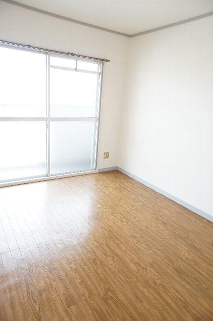 シティハイツ20 202号室の居室