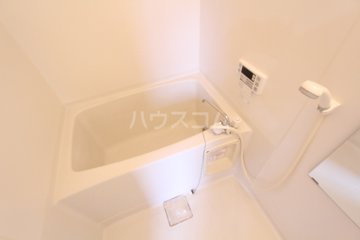 すまいるノーヴェ山之手 203号室の風呂
