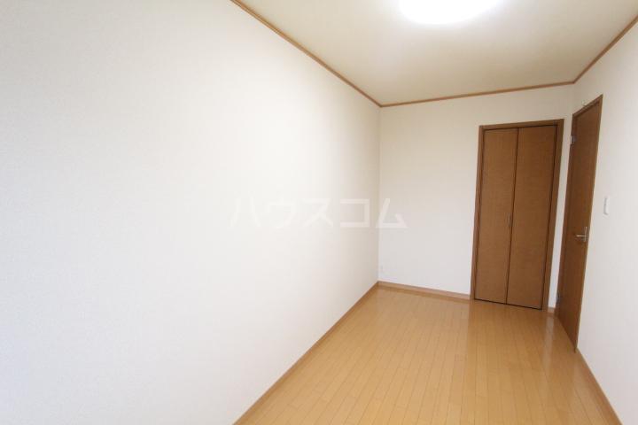 すまいるノーヴェ山之手 203号室の居室