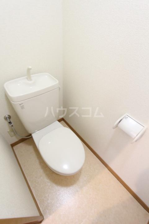 オリーブ・ハウスHIDAKA 103号室のトイレ
