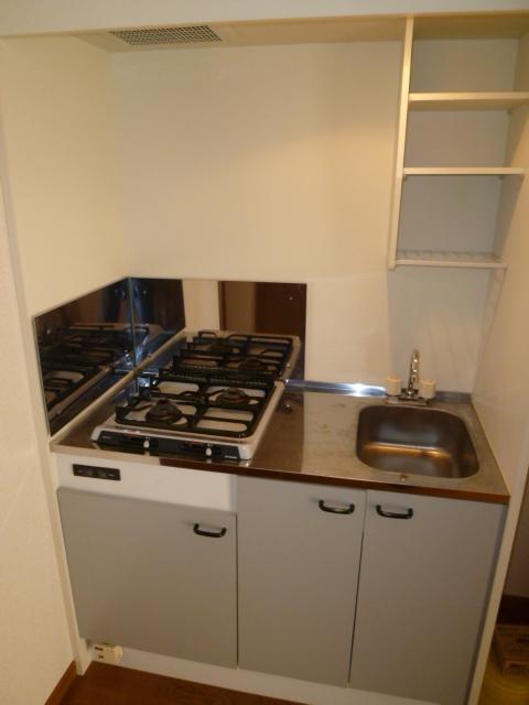アンプルール ブワ フォーエヴァ 102号室のキッチン