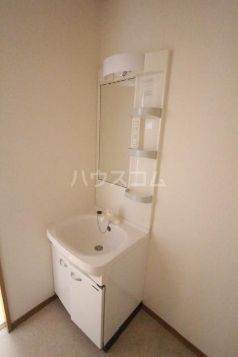 ISIDASOU 101号室の洗面所