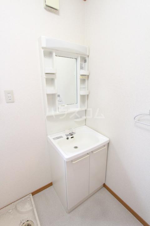 スマイルM&E 西館の洗面所