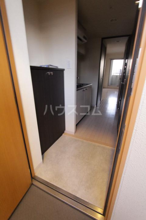 アーバンポイント豊田 502号室の玄関