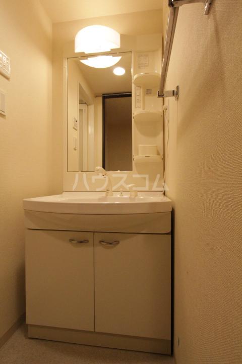 アーバンポイント豊田 502号室の洗面所