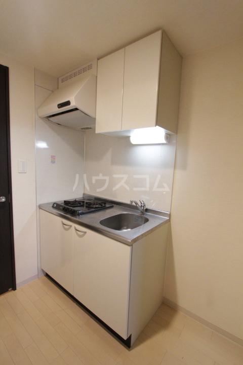 アーバンポイント豊田 504号室のキッチン