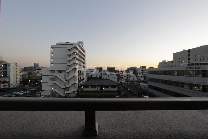 アーバンポイント豊田 504号室の景色
