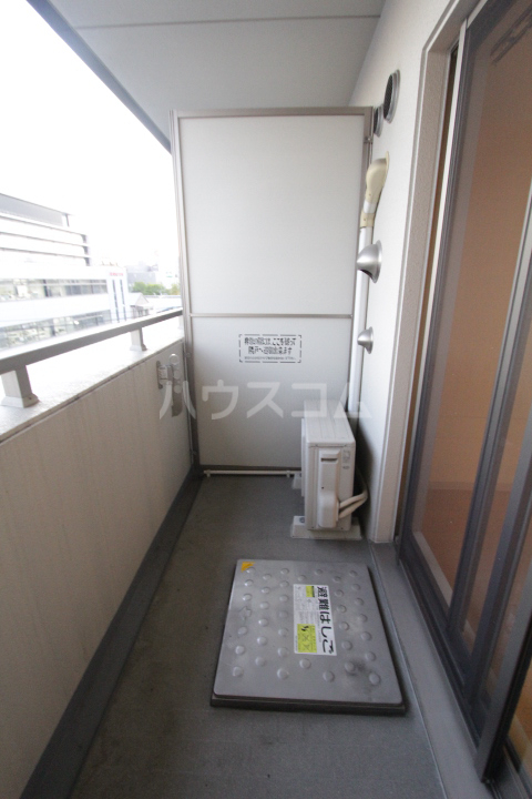 アーバンポイント豊田 505号室のバルコニー