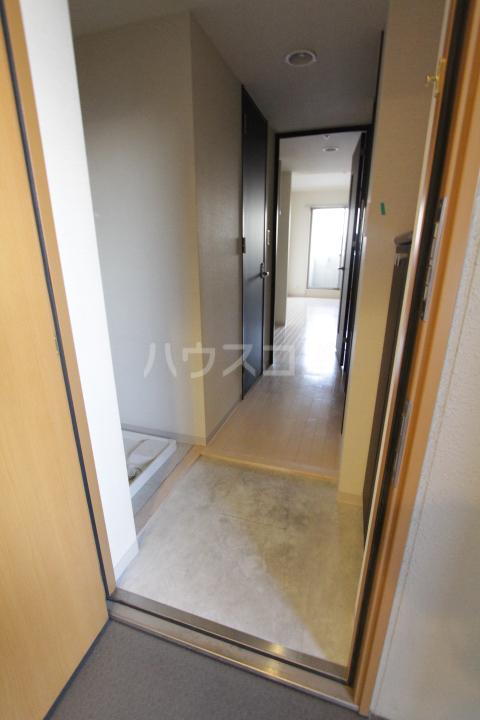アーバンポイント豊田 505号室の玄関