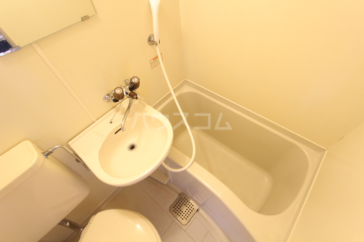 FESTA80 210号室の風呂