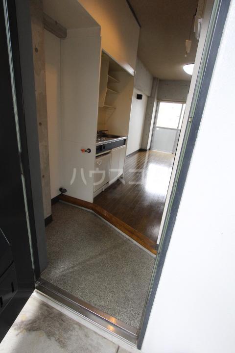 FESTA80 210号室の玄関