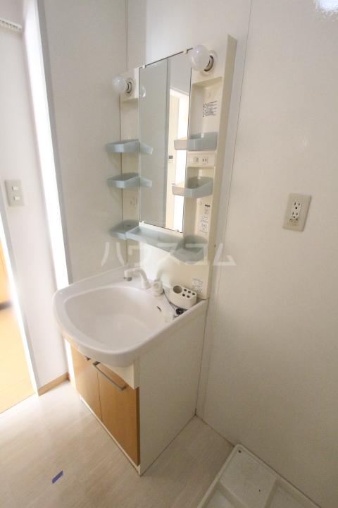 ボヌールハウス 103号室の洗面所