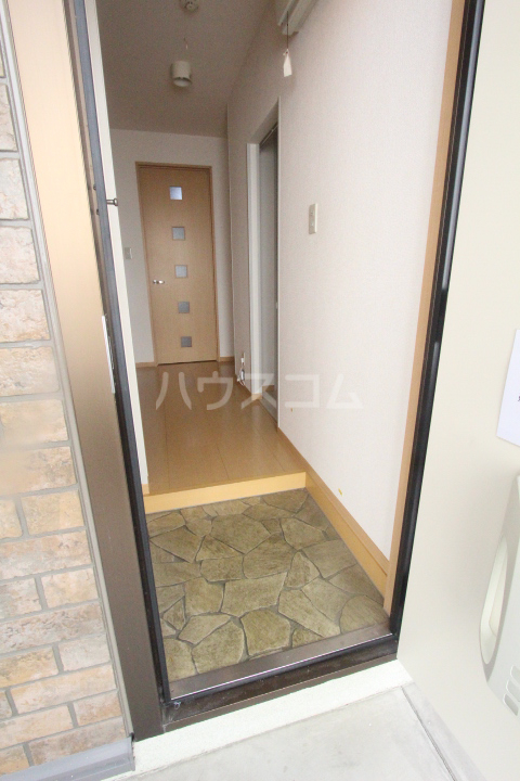 ボヌールハウス 103号室の玄関