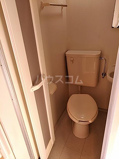 ハイドアウト園 105号室のトイレ