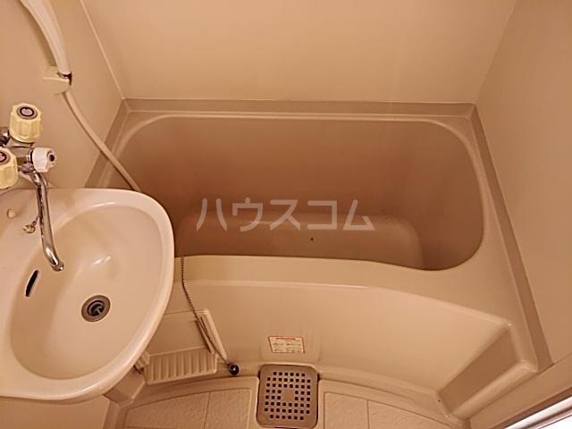 ハイドアウト園 105号室の風呂