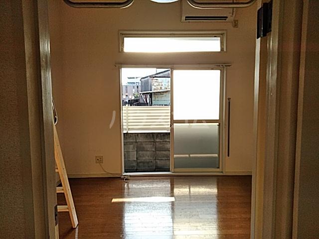 ハイドアウト園 105号室のベッドルーム