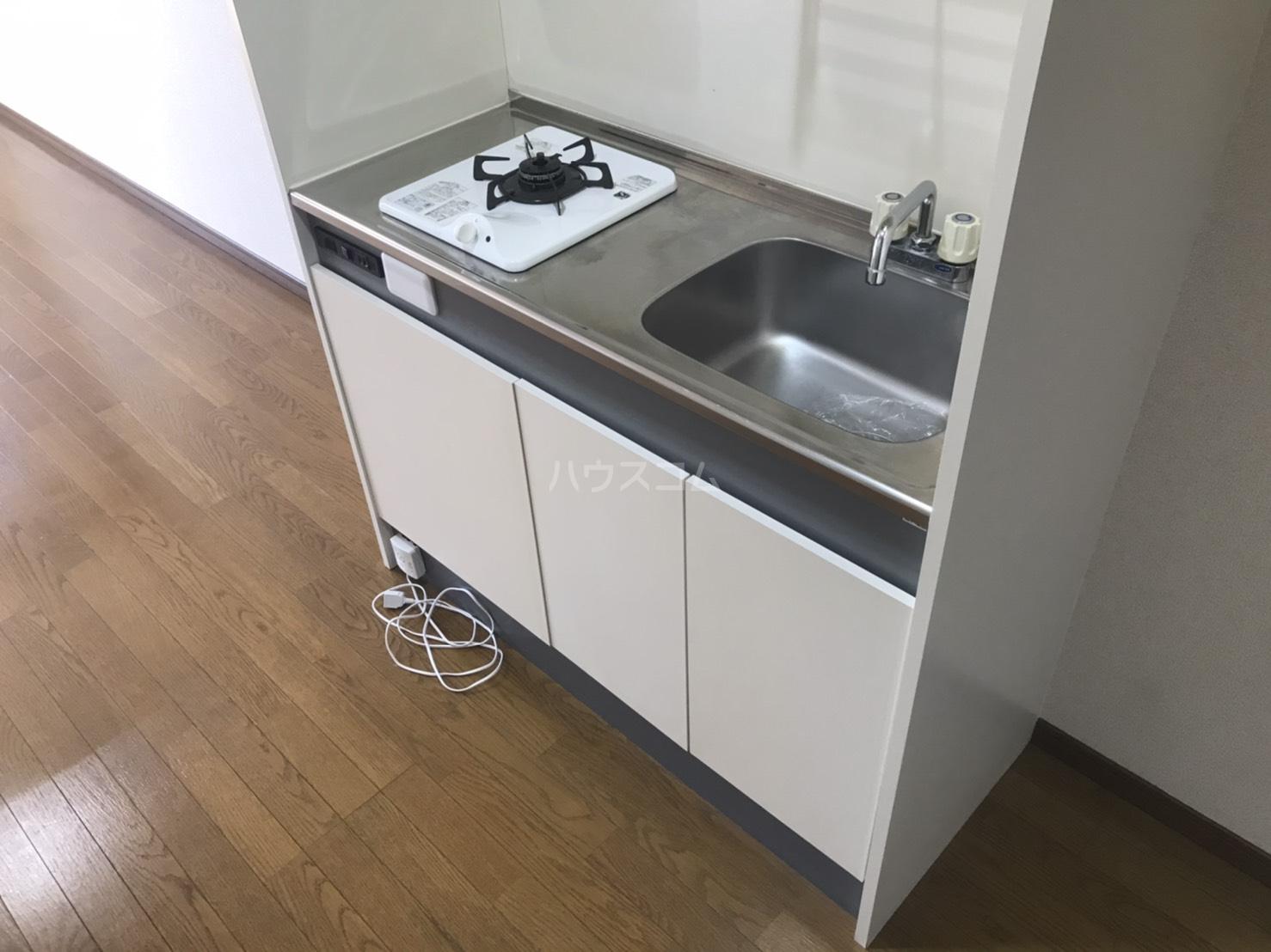 ラルーチェ若宮 401号室のキッチン