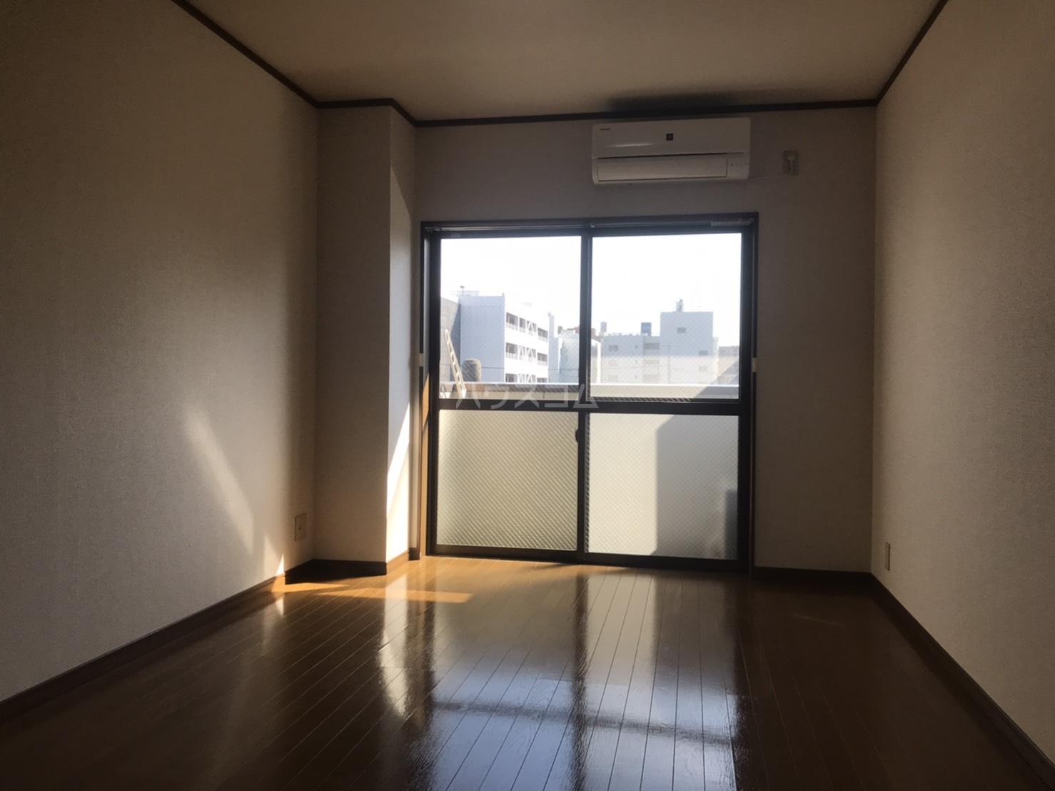 ラルーチェ若宮 401号室の居室