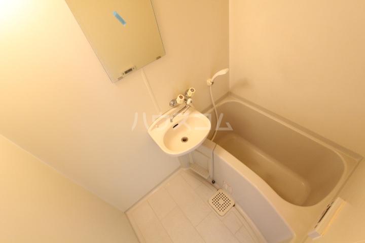 ラルーチェ若宮 403号室の風呂