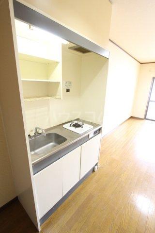 ラルーチェ若宮 403号室のキッチン