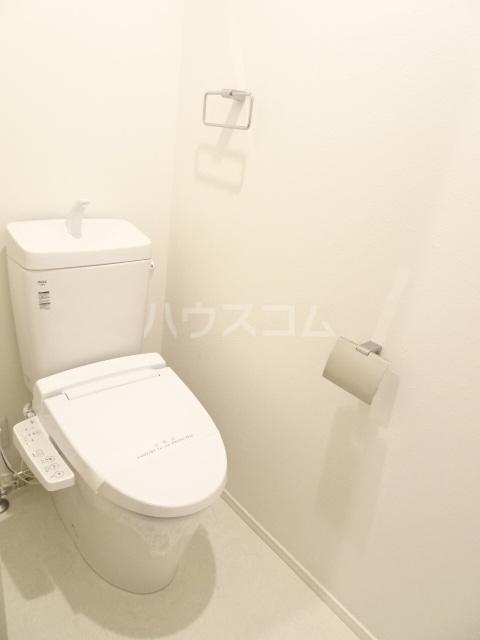 プルミエール山之手 201号室のトイレ