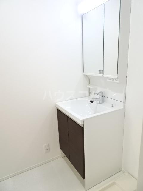 プルミエール山之手 201号室の洗面所