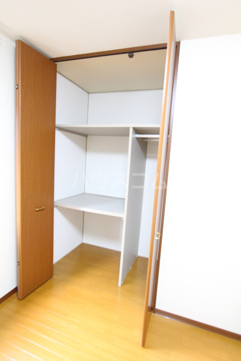ソフィアK 101号室の収納