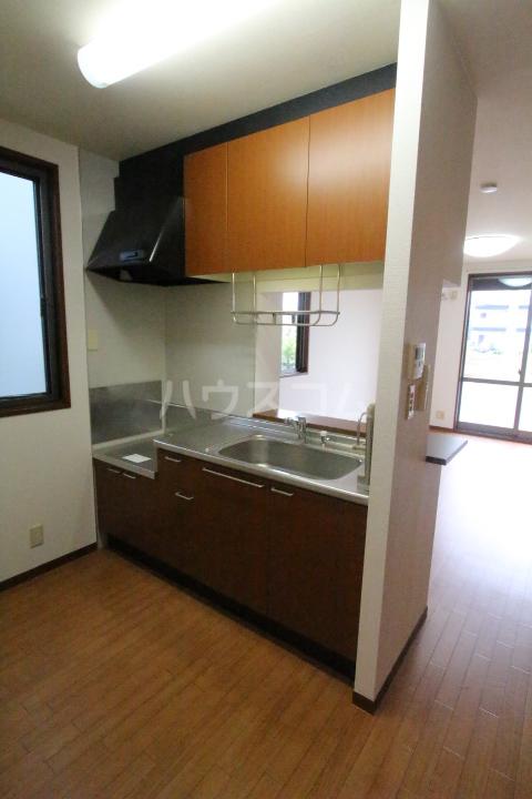 ソフィアK 101号室のキッチン