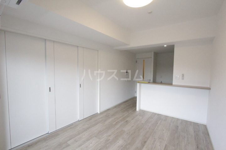 RESIDENCIA TOYOTA SAKURAMACHI 601号室のリビング
