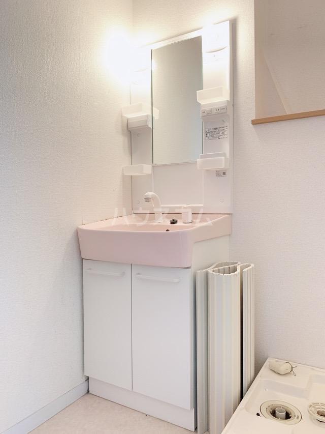 マカリイ 401号室の洗面所