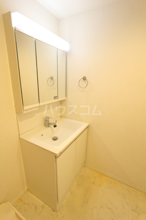 WISH A号室の洗面所