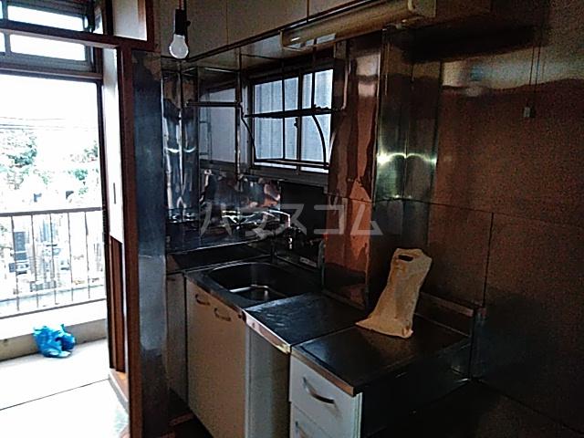 あずまマンション 201号室のキッチン