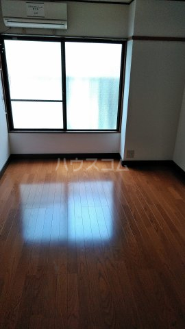 第一高木コーポ 202号室のリビング