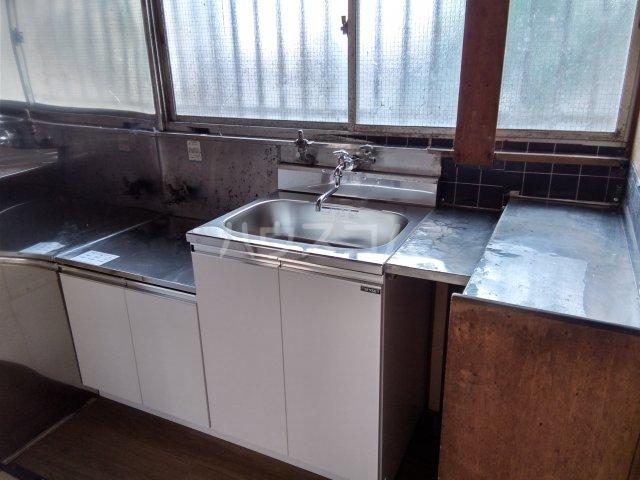 藤荘 1-A号室のキッチン