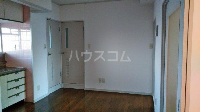 コーポ三鈴 602号室のリビング