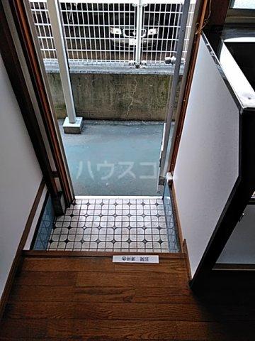 和気マンション 105号室の玄関