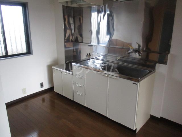陽北ビレッジ B棟 102号室のキッチン