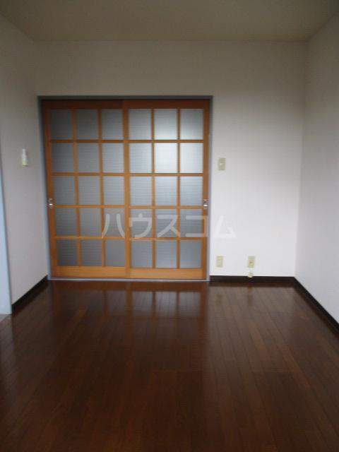 陽北ビレッジ B棟 102号室の居室