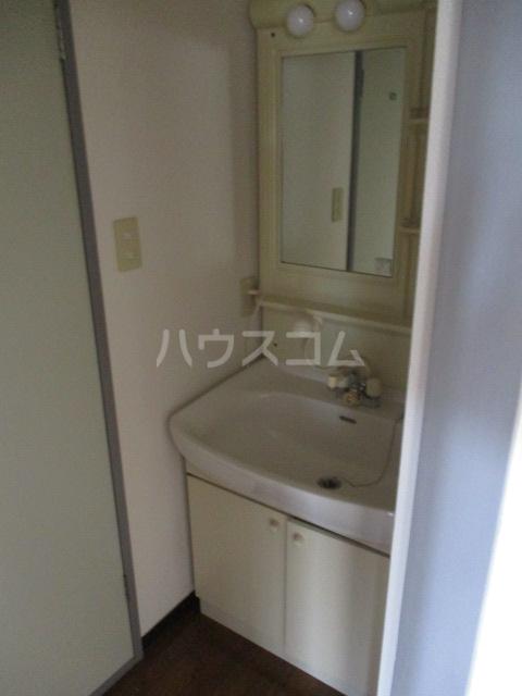 陽北ビレッジ B棟 102号室の洗面所