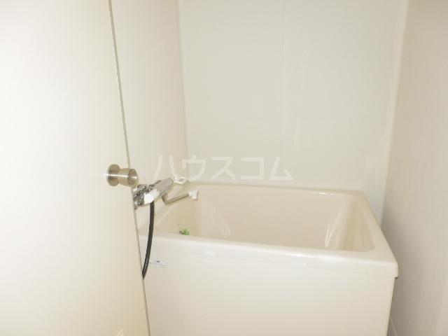 カーサー駒生 201号室の風呂